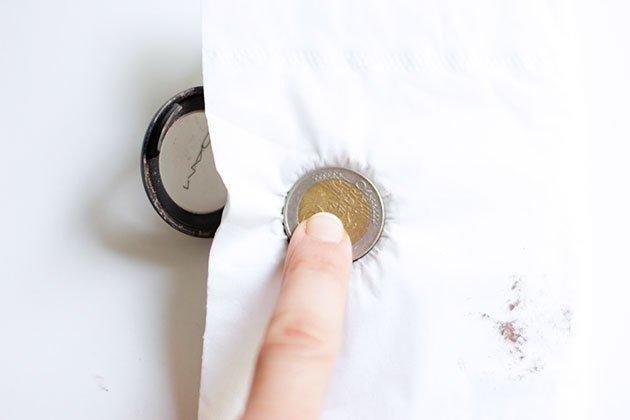 Réparer Fard à paupières cassé