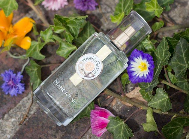 Eau Fraîche Mandarine - Roger & Gallet et fleurs
