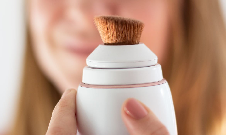 Ultimate Glow Revlon le pinceau maquillage