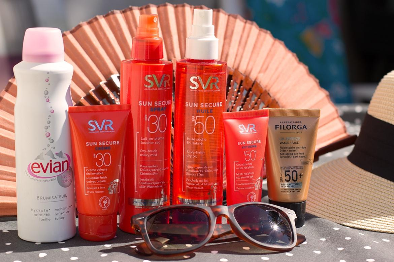 Produits solaires SVR, éventail, chapeau et lunettes