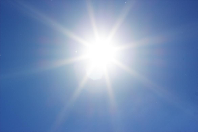 plein soleil au milieu du ciel bleu, Canicule
