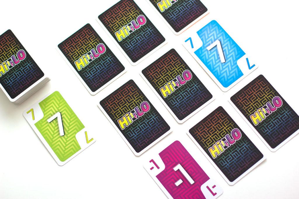 Hilo jeu de société grille de cartes
